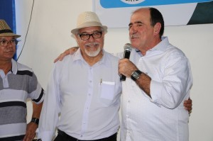 """foto19 300x199 No lançamento do livro """"Conduzimos"""", Caramez confirma apoio aos aposentados em transporte e cargas"""