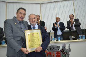 foto- Nalini recebe título de Cidadão em São Roque